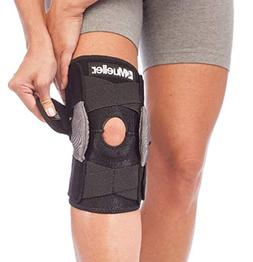 Mueller Sports Medicine Adjustable Hinged Knee Brace, Black/