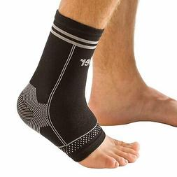 Mueller Sport Care 4-Way Stretch Ankle Support Braces size s